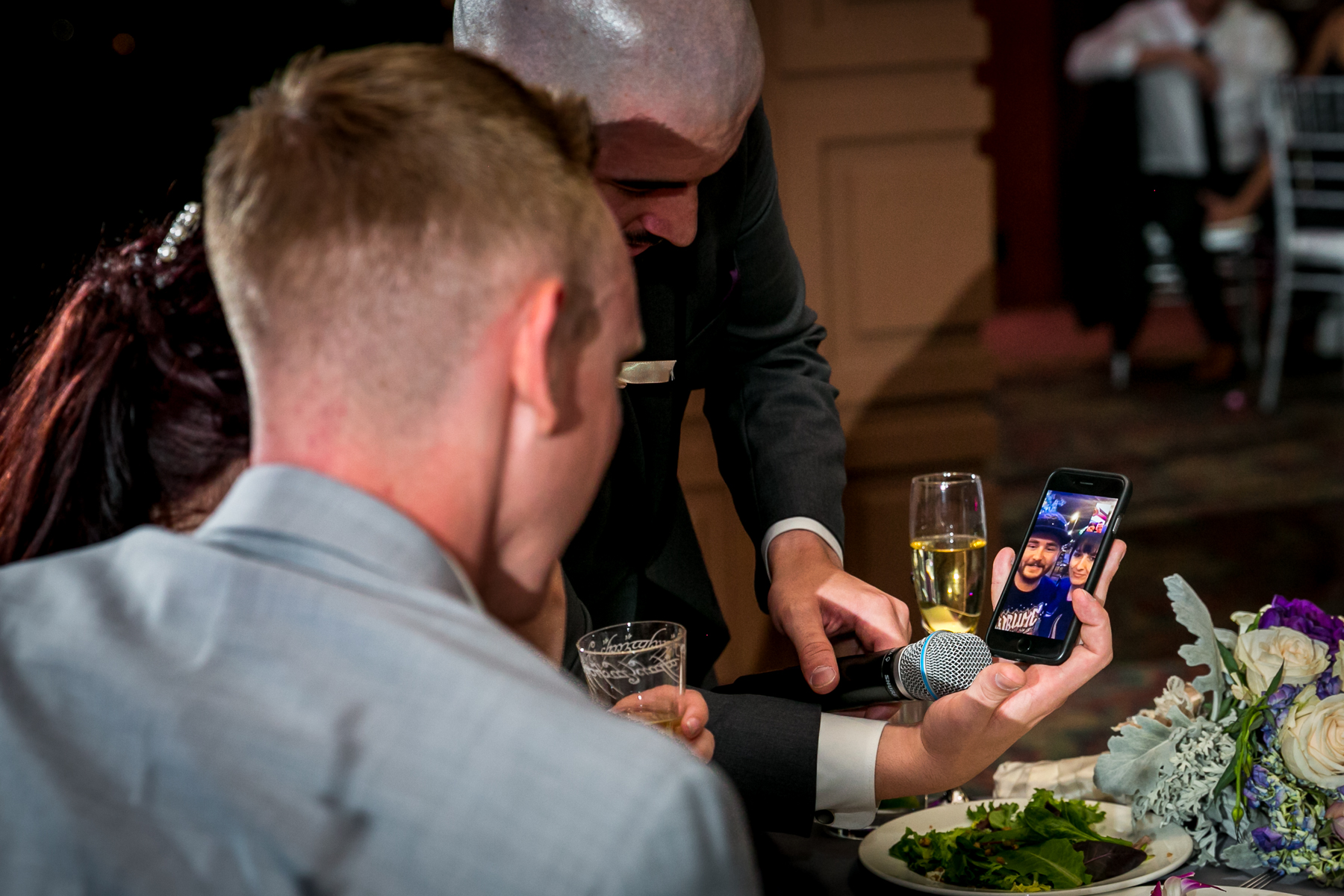 best friend facetime during wedding day at dove canyon courtyard wedding photos